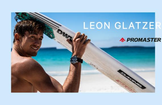 Leon Glatzer trägt Citizen Uhr beim Surfen
