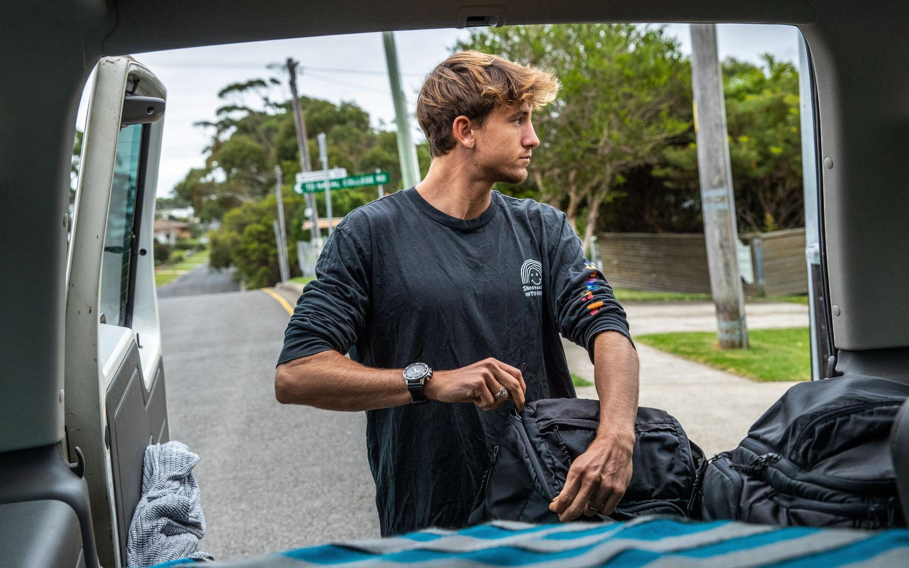 leon glatzer surfer